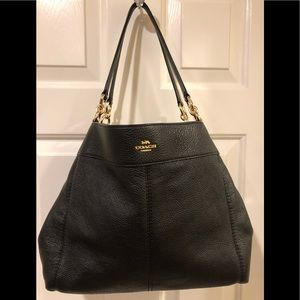 COACH Lexie pebbled leather shoulder bag. EUC
